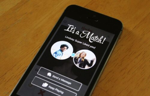 Tinder Online Dating and relationship advice from Alasha Bennett